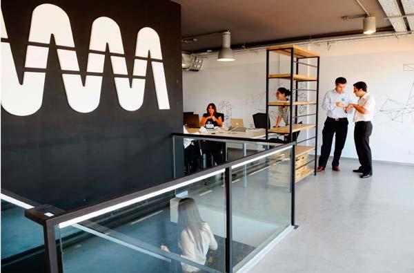 Wayra busca start ups para sus academias en espa a for Ups oficinas barcelona